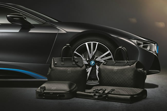 """Carbon fibre is transformed into luggage"""