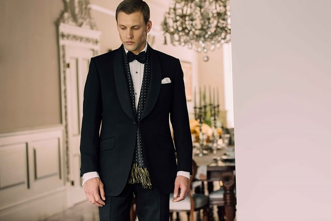 Dress to Impress with a Showstopping Suit