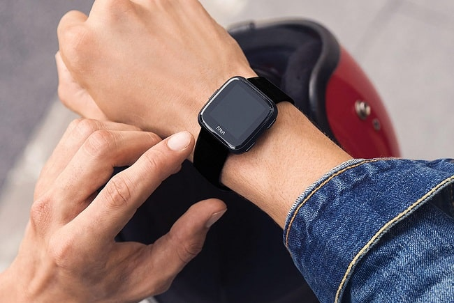 Debate: Smartwatches Vs Traditional Watches