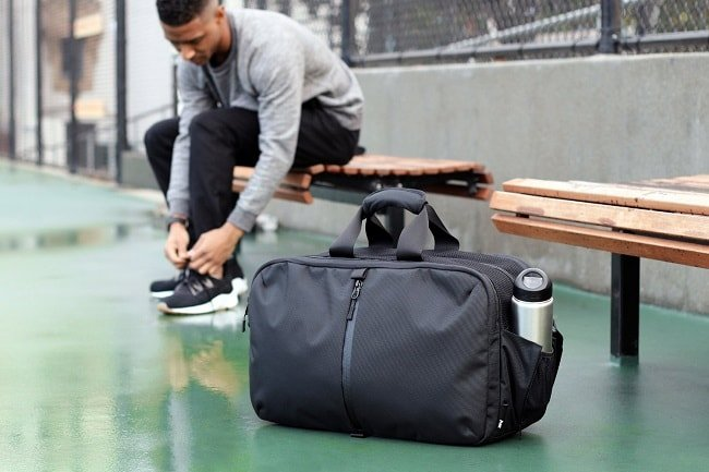 9 Packing Essentials For Your Gym Bag