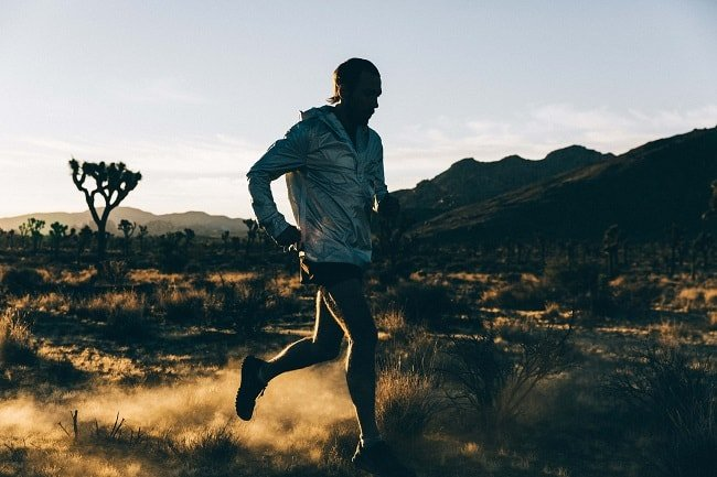 Gear to Stay Visible When Running at Night