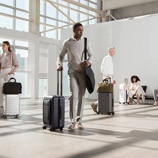 Men's Style Guide to Dressing for the Airport Runway