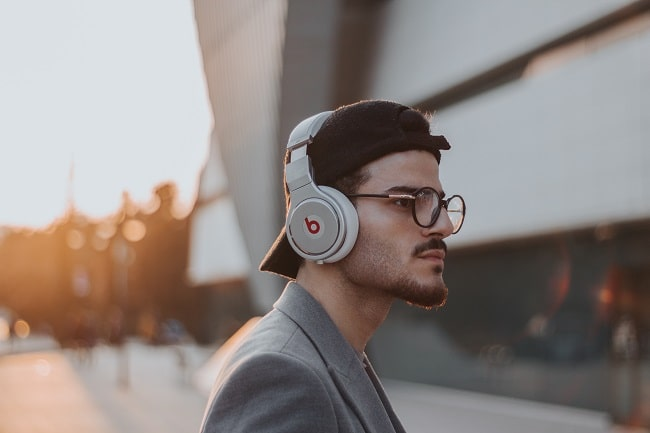 The Very Best Podcasts About Mens Fashion