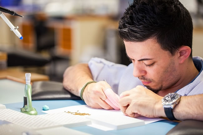 See How Frederique Constant Watches Are Made