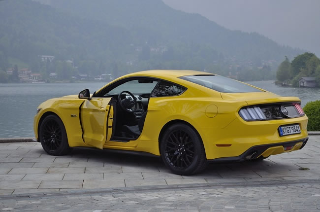 Ford Mustang 2015 Review