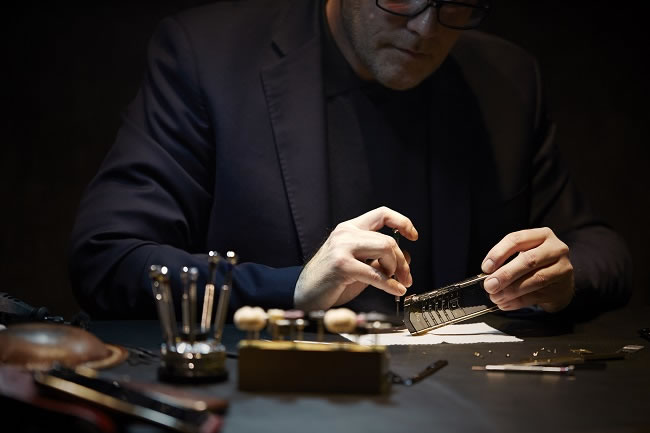 Vertu Puts the Individual at its Heart
