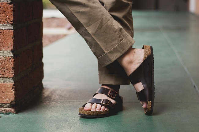 A Guide to Flip Flops and Sliders