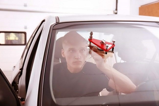 How To Get a Chip on Your Windscreen Repaired
